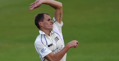 Middlesex struggle against Fell-inspired Worcestershire