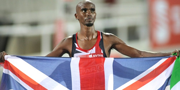 Mo Farah wins 10000m despite fall