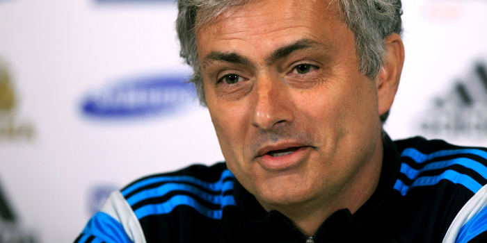 Chelsea boss Mourinho signs new four-year contract