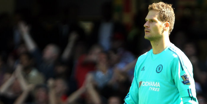 Chelsea in talks with Bournemouth over Begovic