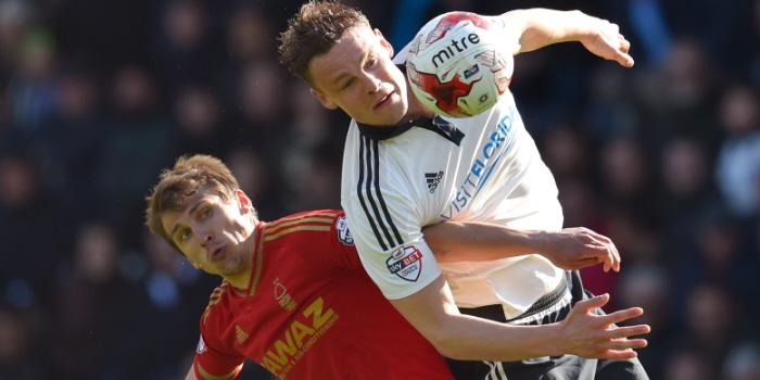 Nottingham Forests Robert Tesche (left) and Fulhams Matt Smith battle for the ball.