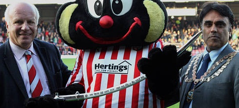 Leaders Charlton win at Brentford