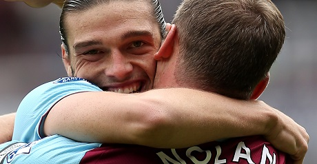 Moyes in the dark over reports Chelsea want Carroll