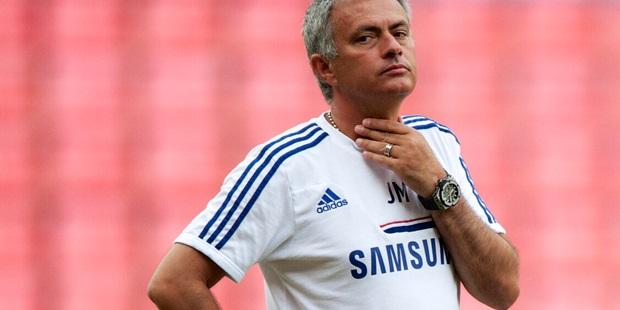 Boss Mourinho admits selection mistake