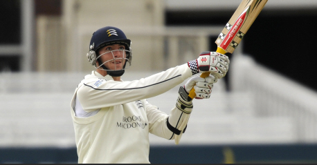Roland-Jones stars as wickets tumble at Lord's