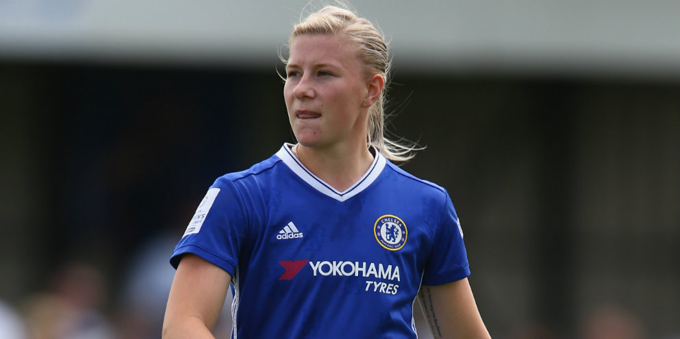 England signs new Chelsea Ladies contract