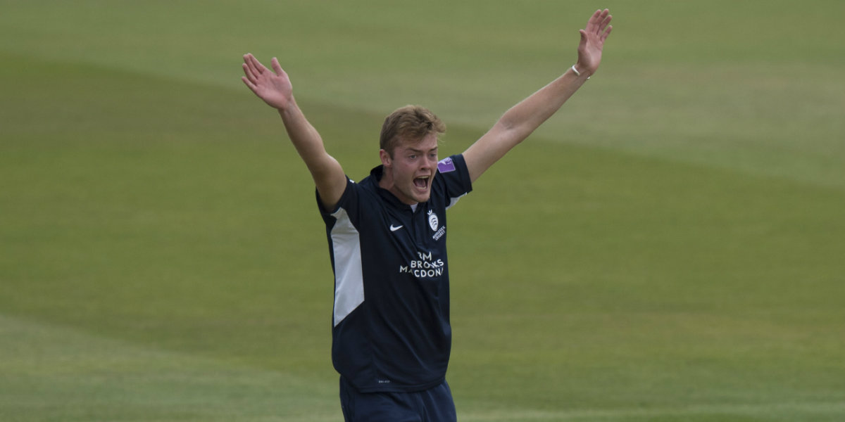 Middlesex struggling after Essex defeat