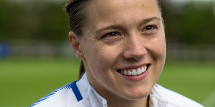Chelsea Women star Kirby signs new deal