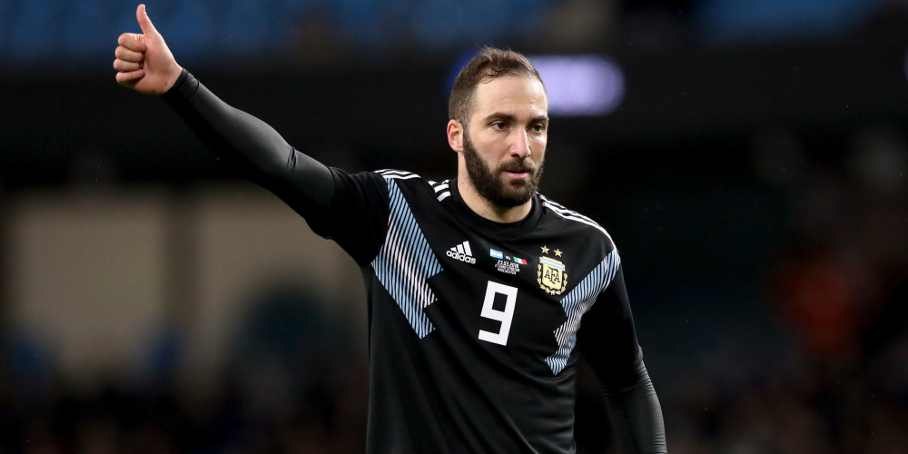 Gonzalo Higuain Preparing To Fly To England To Seal Chelsea Move