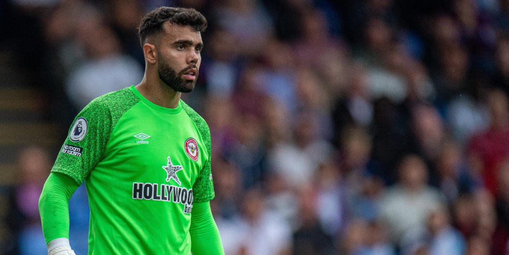Brentford keeper Raya out for months with knee injury